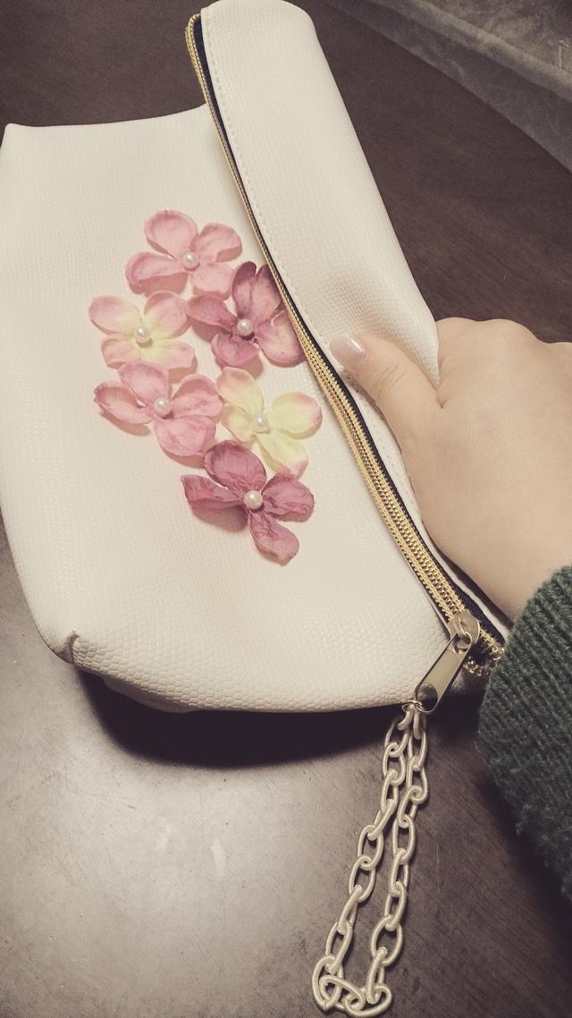 ホワイト☆花クラッチバッグ