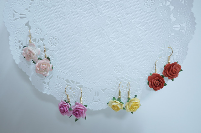 【 rose rose 】 Hook Pierced Earring