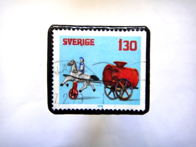 スエーデン 切手ブローチ798