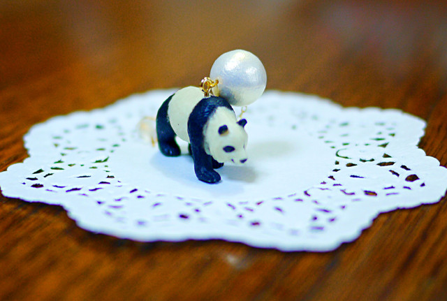 (Sold out)animal片耳ピアス【Panda】