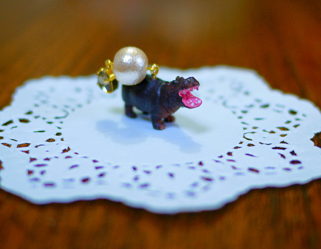 (Sold out)animal片耳ピアス【Hippo】