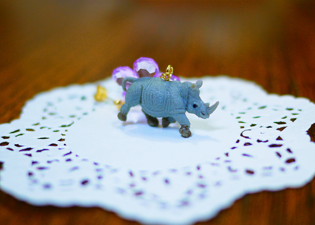 (Sold out)animal片耳ピアス【Rhinoceros】