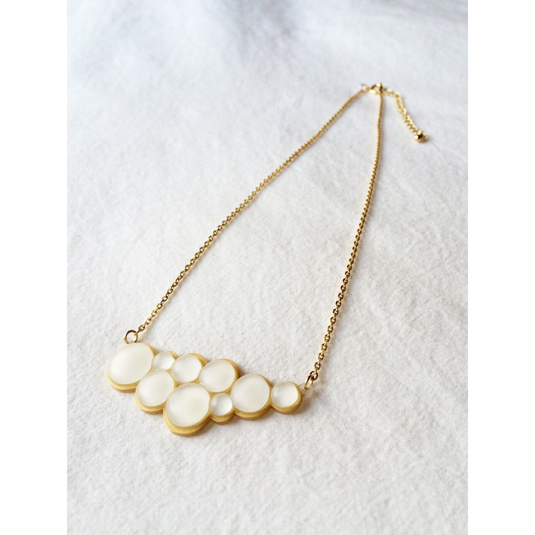 shrink plastic pearl necklace