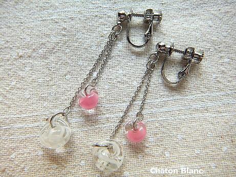 2粒ガラスビーズのイヤリング