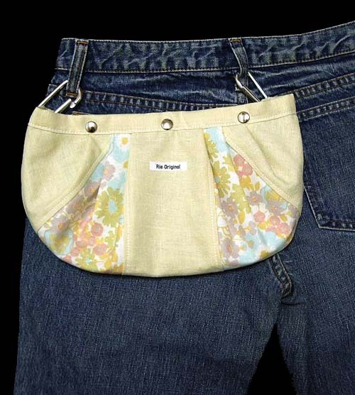 Swing Pouch 070 イエローの小花