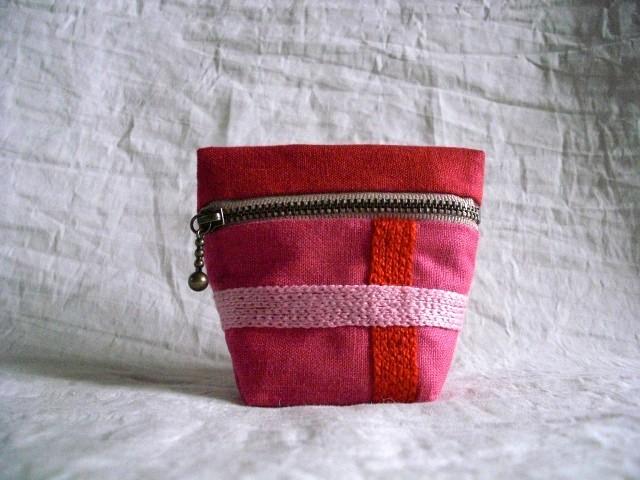 itoiro minicoro pouch (aka/pink)