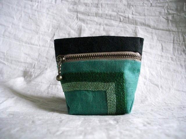 itoiro minicoro pouch (kuro/green)