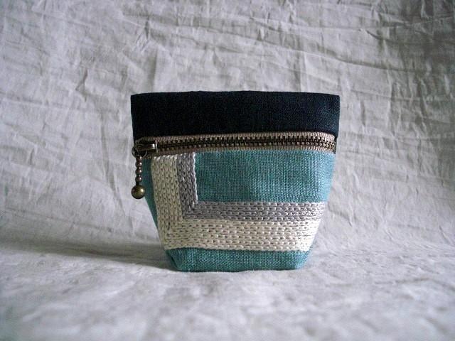 itoiro minicoro pouch (kon/mizuiro)