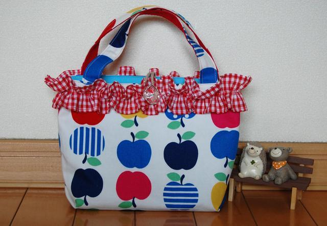 フリルのミニバック りんご
