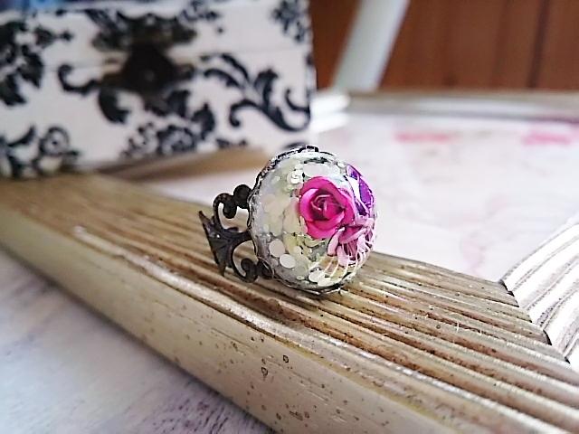 小さなバラのアンティーク調リング