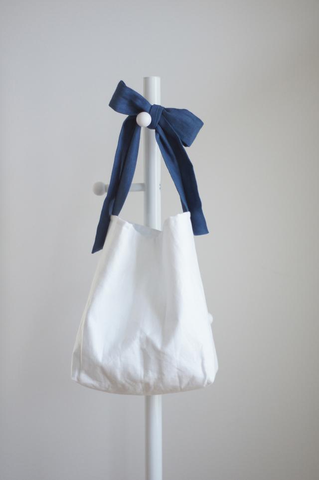 リネンキルティングリボンのバッグ(シックブルー)