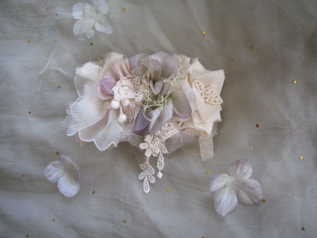 Sale~薄紫の花のコサージュ