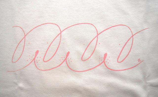 イヌのシルクスクリーンプリントTシャツ