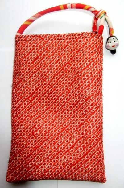 手絞りの羽織と唐桟縞の着物で作ったスマートフォン入れあ942