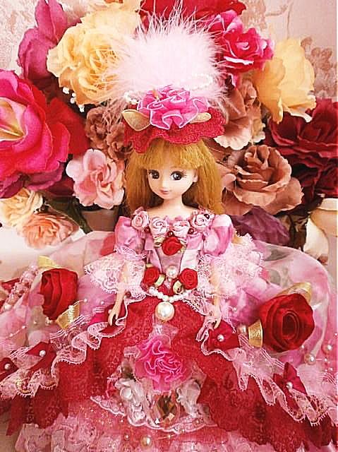 195c91c602b45 SOLD ☆期間限定 クリスマス大特価!送料無料ドール服 ロングトレーンドレス 着せ替え 薔薇に包まれて
