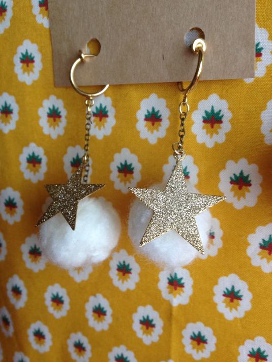羊毛と星のイヤリング