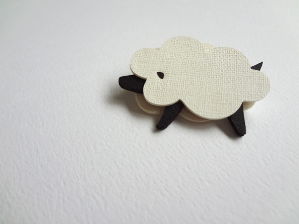 kami kami brooch 羊