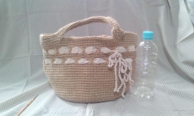 麻ひもで編んだリボン付きバッグ