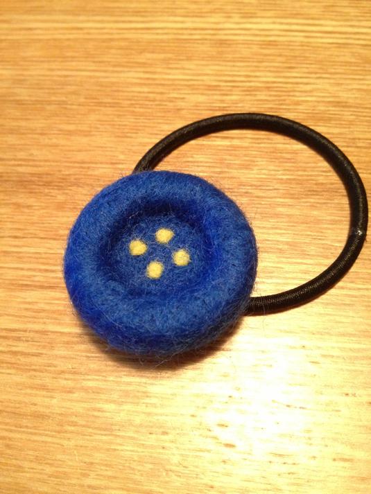 ボタンヘアゴム  ブルー