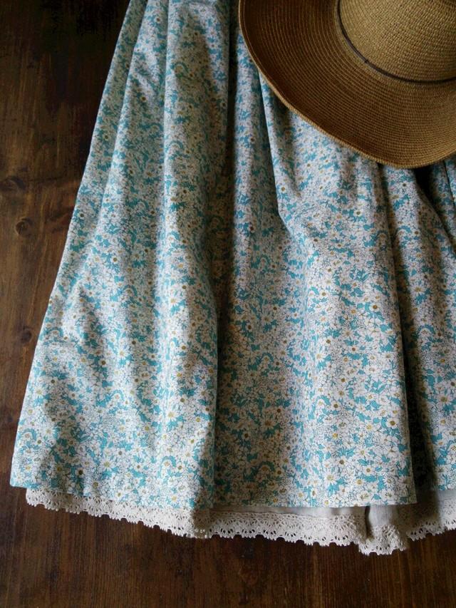 ふんわり春色スカート
