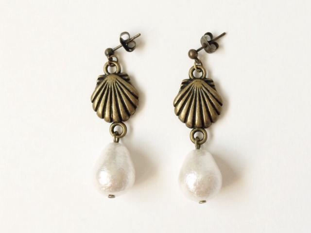 shell earrings (antique gold)