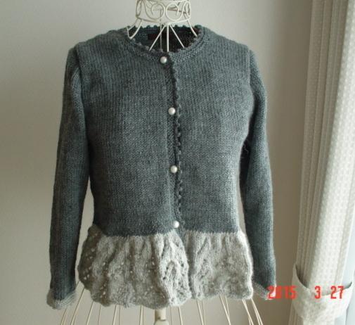 ☆彡裾レース編みのcardiganグレー色の濃淡