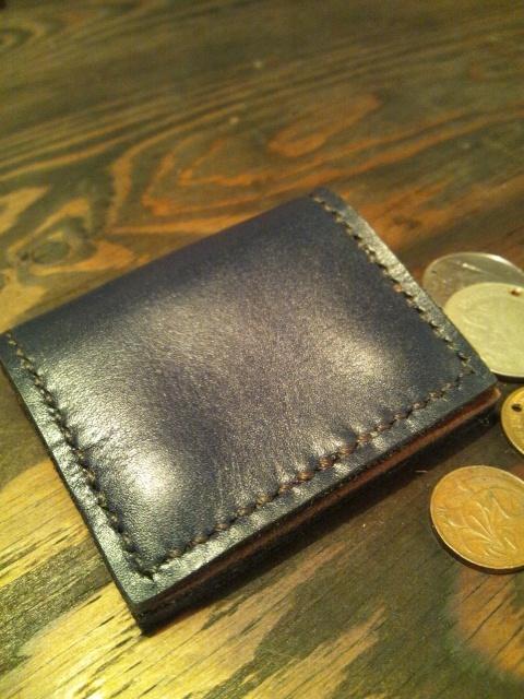 シンプルで使いやすい背面にポケット付きの小銭入れ☆NV