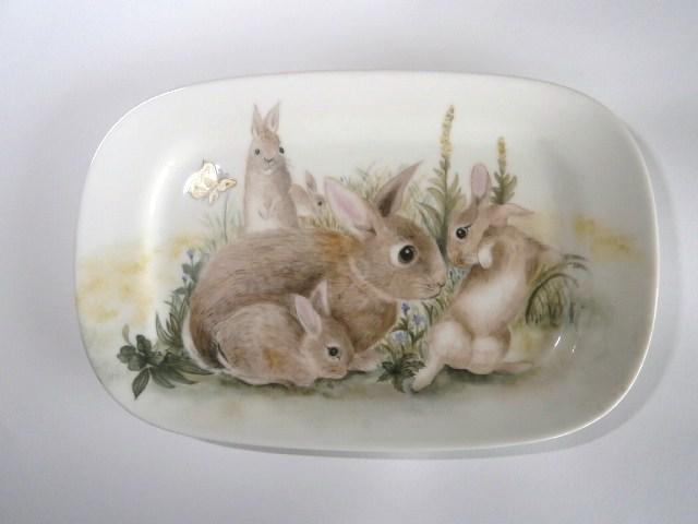 うさぎのファミリーの絵皿1