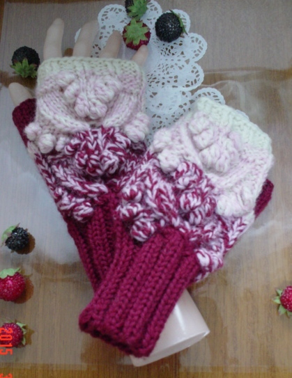 ☆彡wineredのgradationの透かし模様のFingerless Mittens
