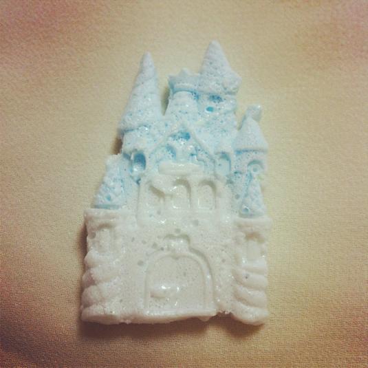 魔法のお城 ブローチ