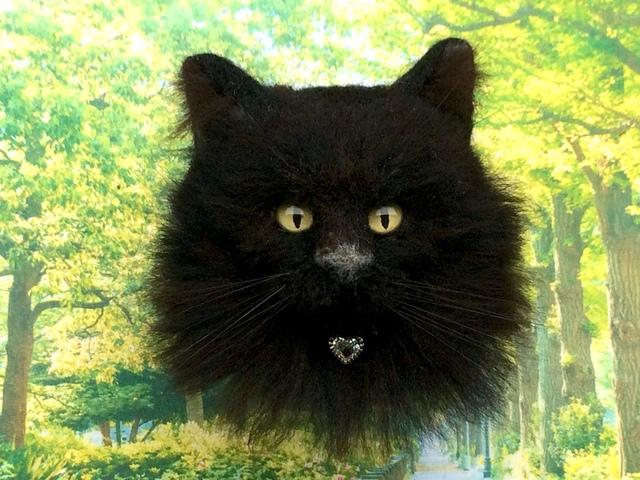 リアルな長毛黒猫のブローチ《植毛》