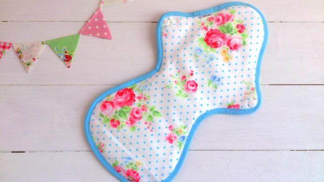 可愛い布ナプキン『水色ドットフラワー』夜用LLサイズ
