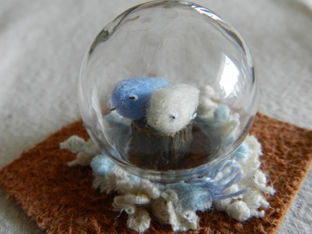 ガラスの中のしあわせの青い鳥-m(ブルー)
