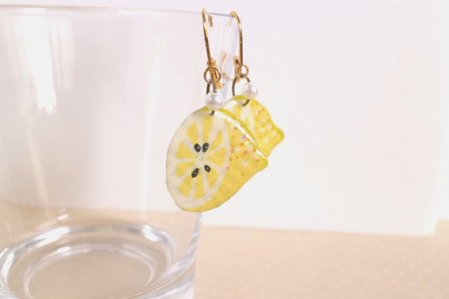 レモンのピアス・ハーフカット