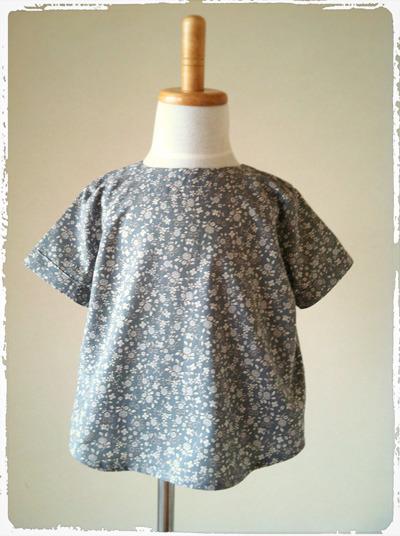 【90size】綿ローンプルオーバーシャツ ちょっぴりレトロな小花柄