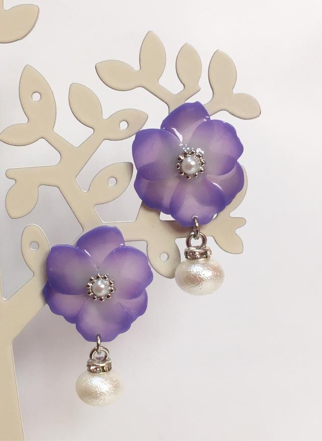 180c2901459f 紫のグラデーション花ステンレスピアス | ハンドメイドマーケット minne