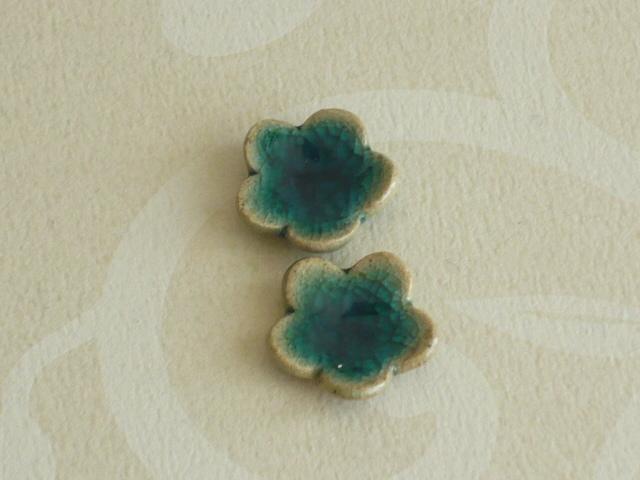 ミニチュア陶器☆ お花の小皿 青ガラス 2枚組