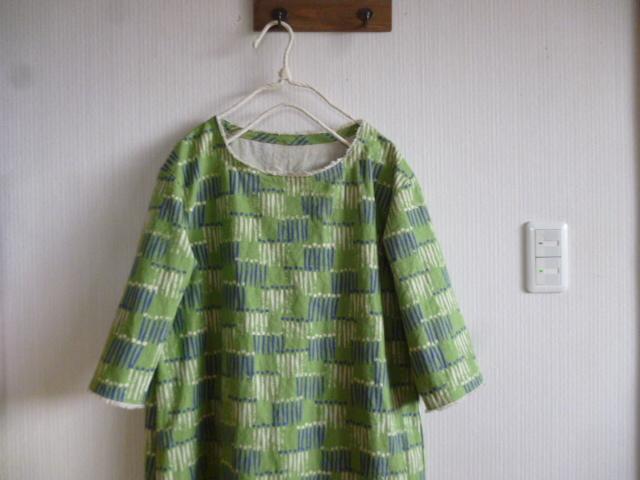 北欧調綿麻の肩落ちワンピまち針サーリグリーン