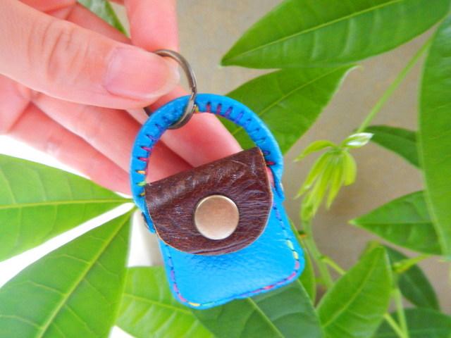 *miyabi様ご注文品*レザー小さな小さなハンドバッグ の500円玉いれ ブルー