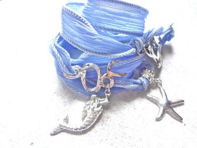 海の泡とマーメイドのシルクリボンブレス(electric blue)