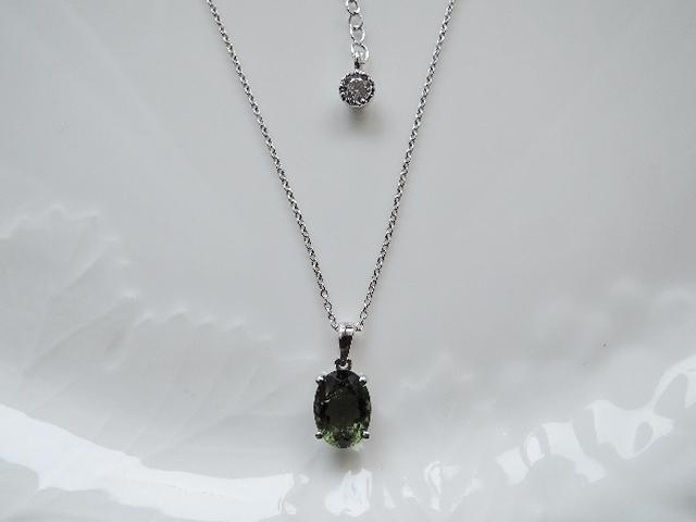 ☆レターパックライト送料込み アウトレット宝石質モルダバイトネックレス(698)