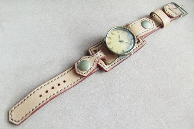 失われた未来を旅する人の腕時計・ローマン
