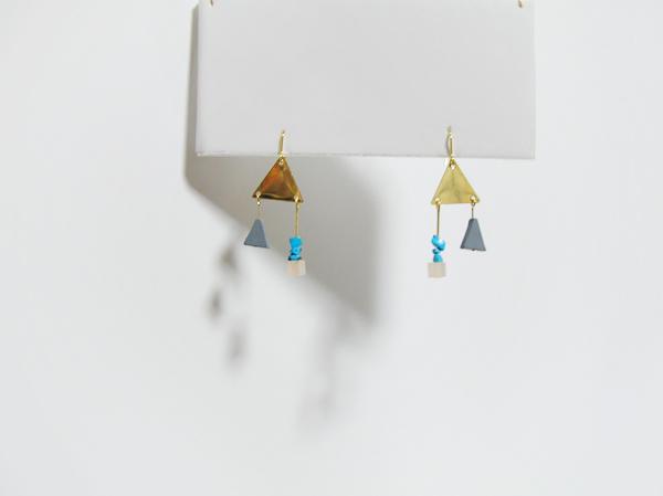 【yさま専用】真鍮プレートと石の小さなピアス