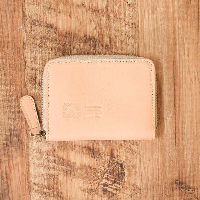 ab5f7e7f59b5 姫路産 内側まで馬のヌメ革で仕上げたラウンドファスナーのコインケース【ナチュラル】 小さなお財布 名入れ刻印