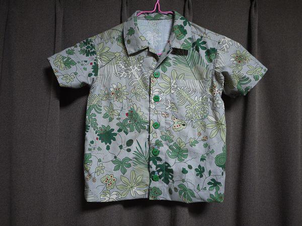 パナマの手芸モラの模様で作った アロハシャツ 110センチ用