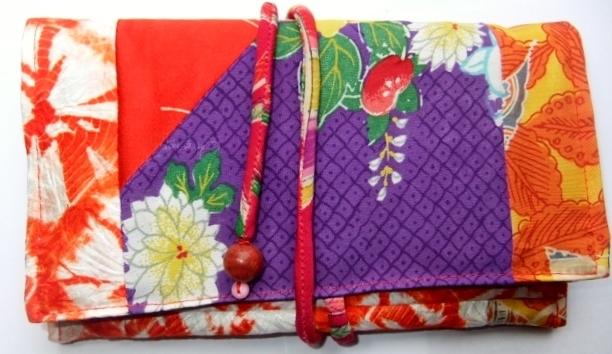 絞りと花柄の着物で作った和風お財布 039
