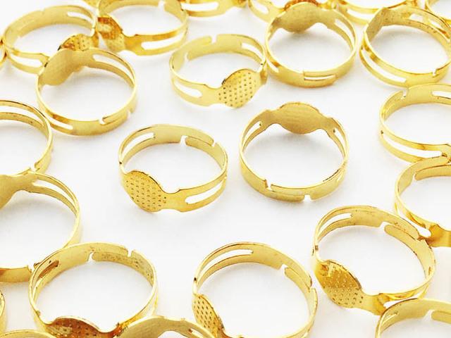 送料無料 リング パーツ 指輪 7mm台座付き ゴールド 50個 小さめ ハンドメイド 等に アクセサリー パーツ (AP0667)