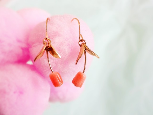 Pink coral Tulip pierced earrings