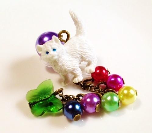 白ネコちゃんのピアス・イヤリング