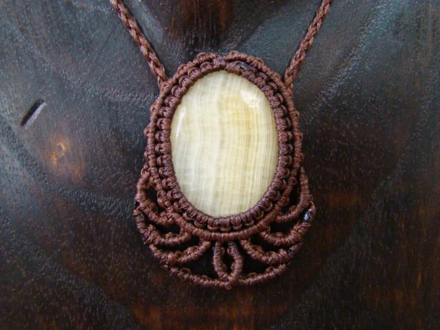 天然石アラゴナイト マクラメ編みネックレス